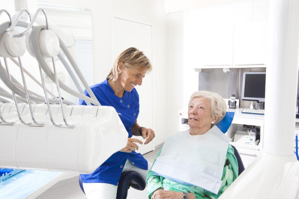 Brug plaatsen bij tandarts groepspraktijk Benedenti